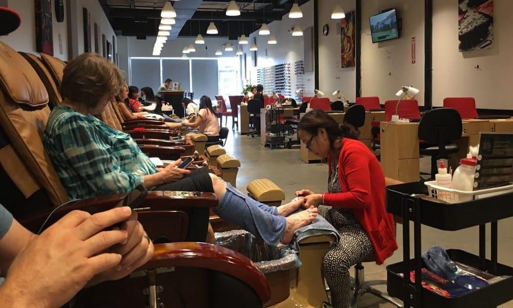 Cần tuyển thợ nail xuyên bang tại Decatur, GA-30033