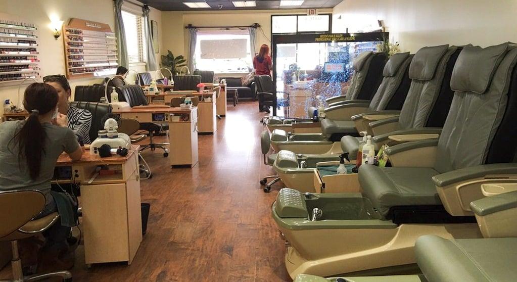 Cần tuyển thợ nail xuyên bang tại Easton, MD-21601