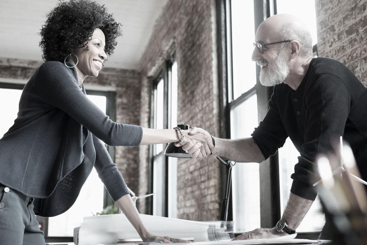 Làm thế nào để chuyển nhượng quyền sở hữu doanh nghiệp trọn vẹn?