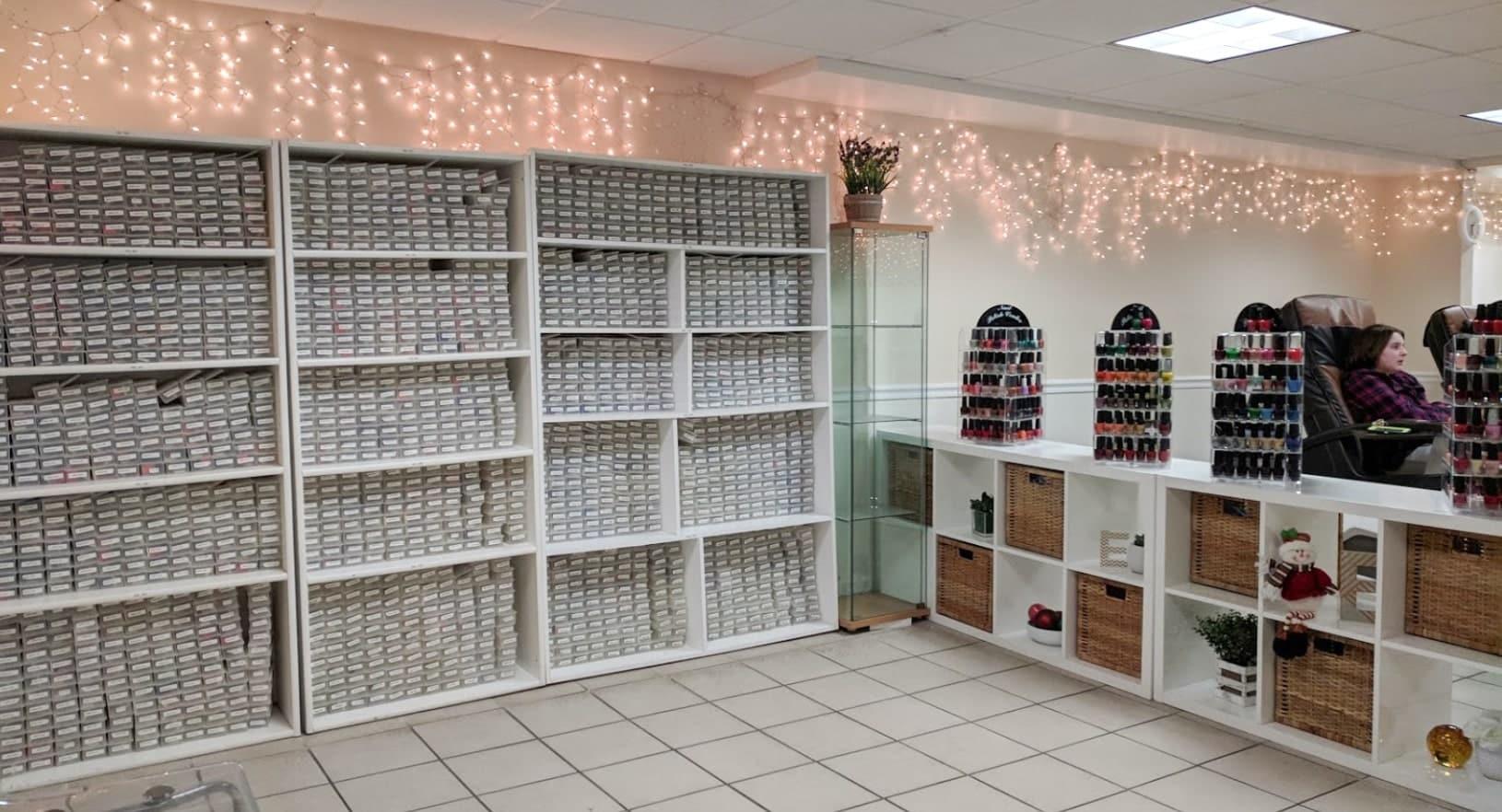 Cần tuyển thợ nail xuyên bang tại Derry, NH-03038