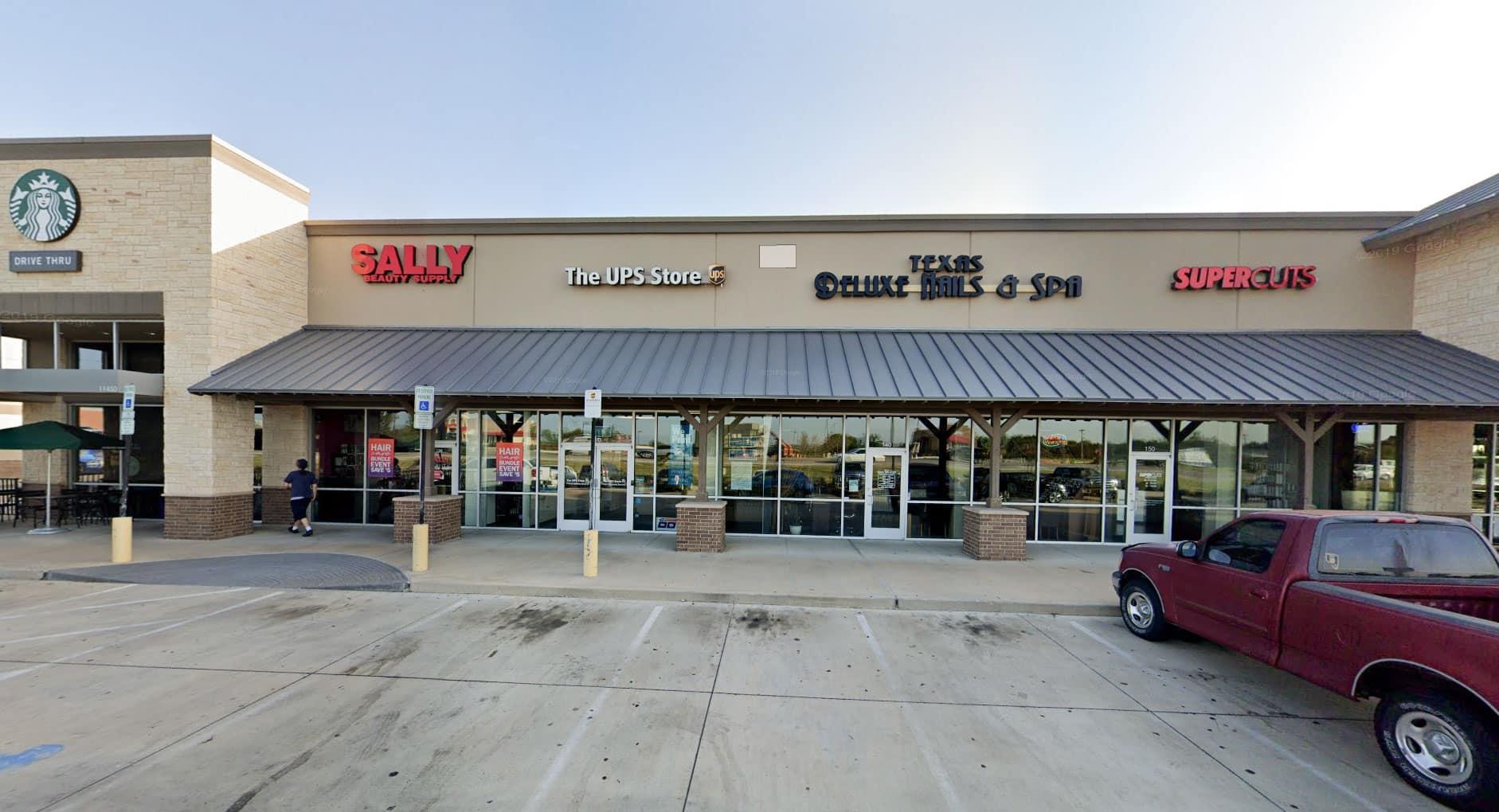 Cần tuyển thợ nail xuyên bang – Cross Roads, TX-76227