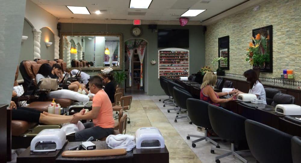 Cần Sang Tiệm Nail – Miami Beach, FL-33160