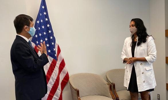 Mỹ: Trang bị bảo hộ y tế đã bắt đầu sụt giảm