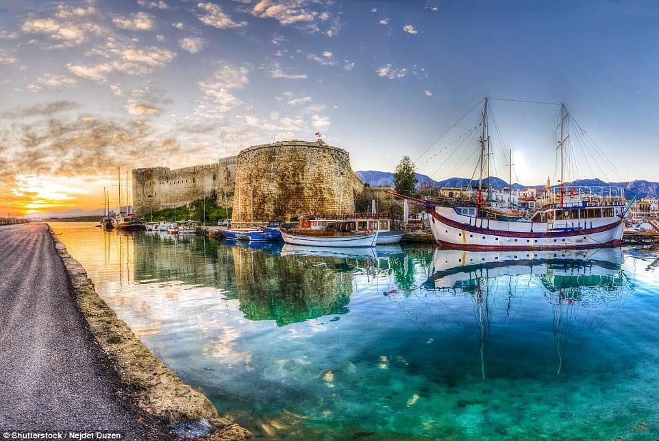 Cyprus - Lỗ hỏng EU và những kẻ đa quốc tịch