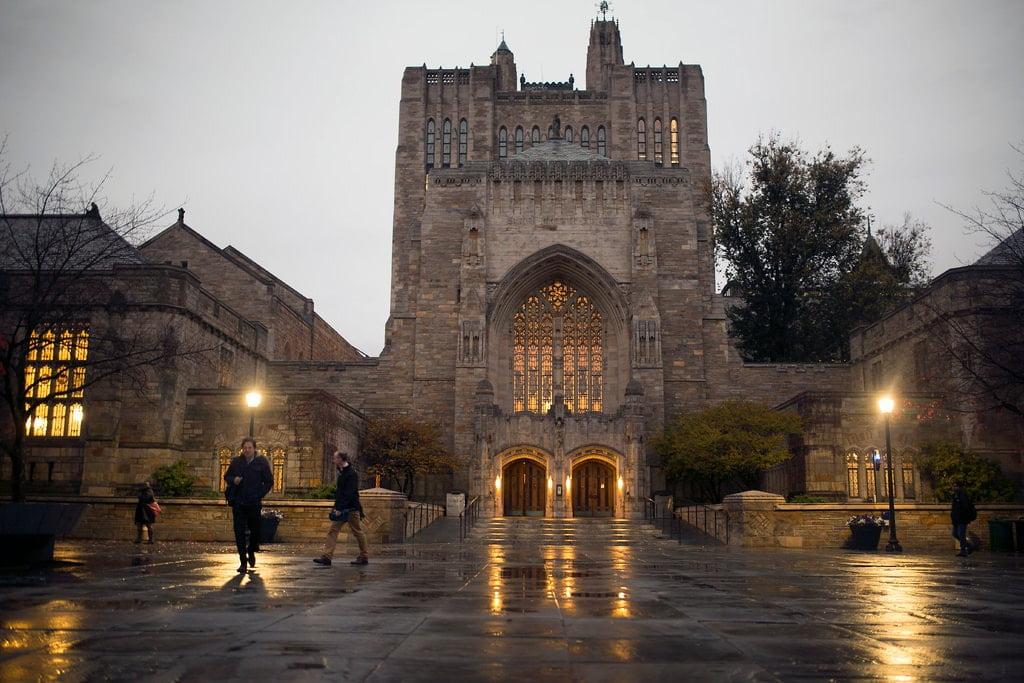 Đại học Yale phân biệt sinh viên da trắng và gốc Á