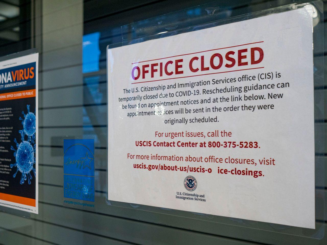 Mỹ: Thời gian chờ visa, thẻ xanh, quốc tịch sẽ kéo dài