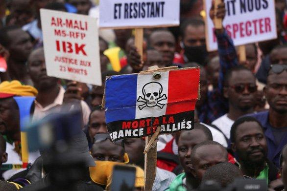 Mali - Đằng sau cuộc đảo chính, bất ổn trên bẫy nợ