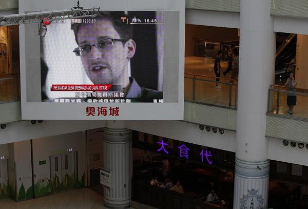 Snowden: Giải mã sai lầm qua góc nhìn 1 người Việt dân chủ.