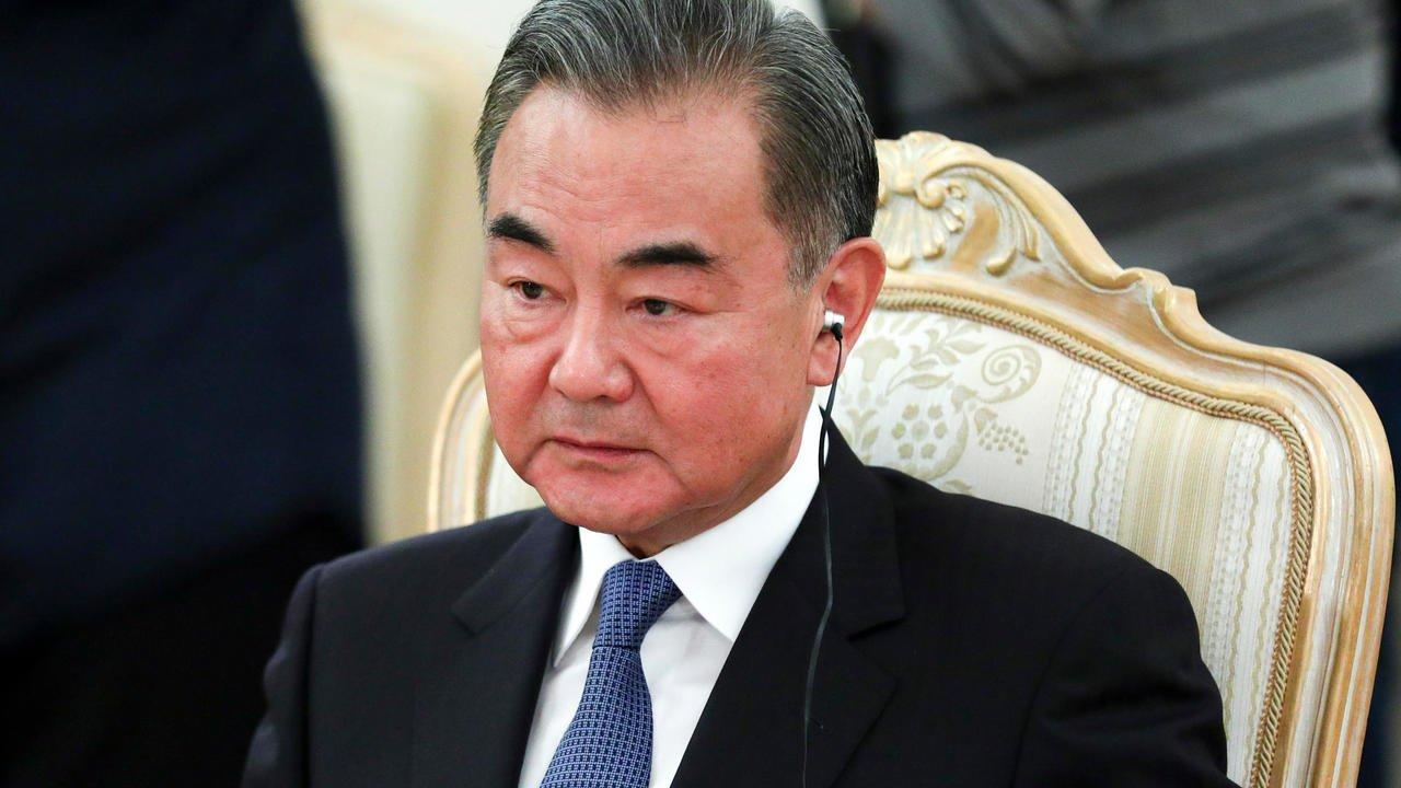 """Ngoại trưởng Trung Quốc dự tính công du Nhật """"thăm dò"""" tân thủ tướng Suga"""