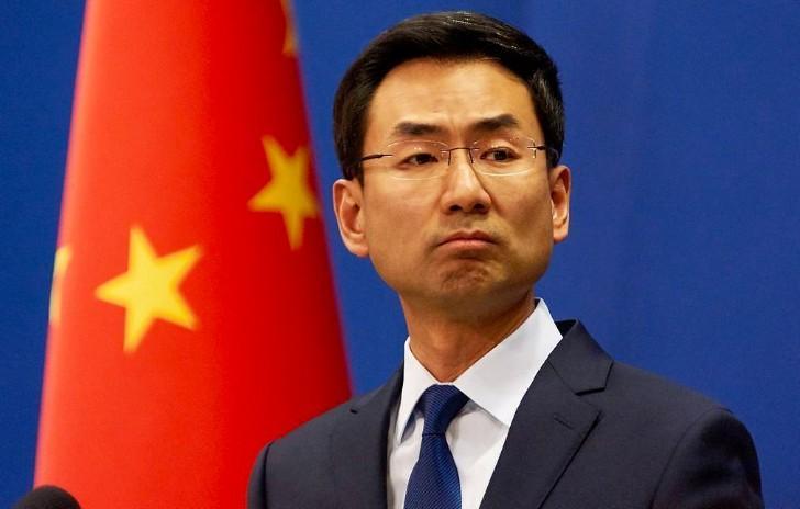 """London: Twitter đại sứ Trung Quốc """"Like"""" nội dung khiêu dâm."""