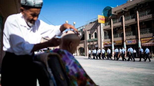 Tóc của người Tây Tạng được cho là nguyên khiến ngành công nghiệp từ tóc phát triển mạnh ở Tân Cương