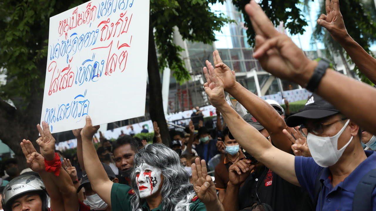 thai-lan-thu-tuong-khong-tu-chuc-bieu-tinh-tiep-dien
