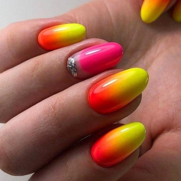 """Những mẫu nail màu vàng """"hot trend"""" cực đẹp 2021"""