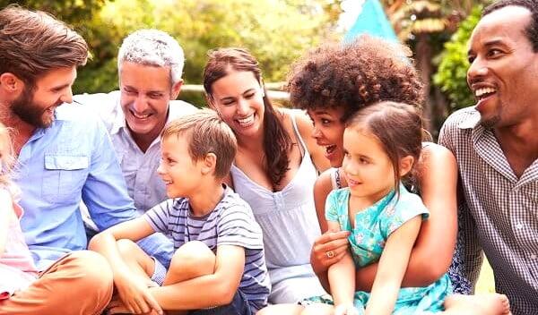 Thường trú nhân bảo lãnh con độc thân trên 21 tuổi nhanh hơn công dân Mỹ